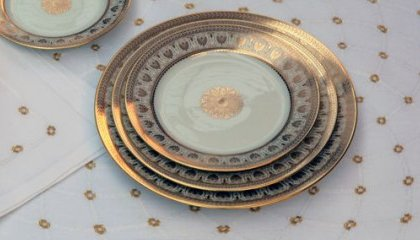VERSAILLES place mats -  white and gold