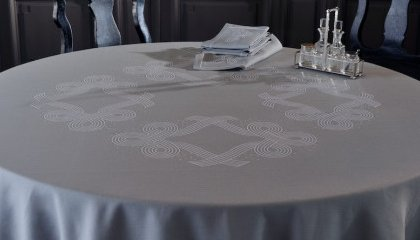 FEERIE Tablecloth