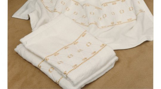 DIRECTOIRE embroidered bath towels
