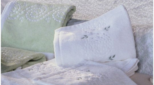 SULTANE embroidered bath towels