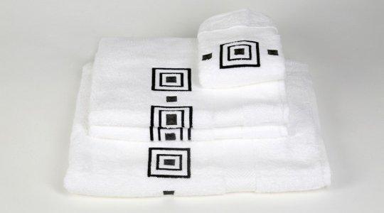 PRISME embroidered bath towels