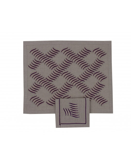 """""""Chenonceau """" placemat and napkin"""