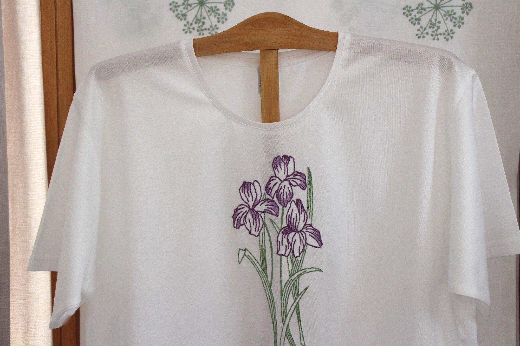 """""""Fleur d'Iris"""" embroidered night t-shirt"""