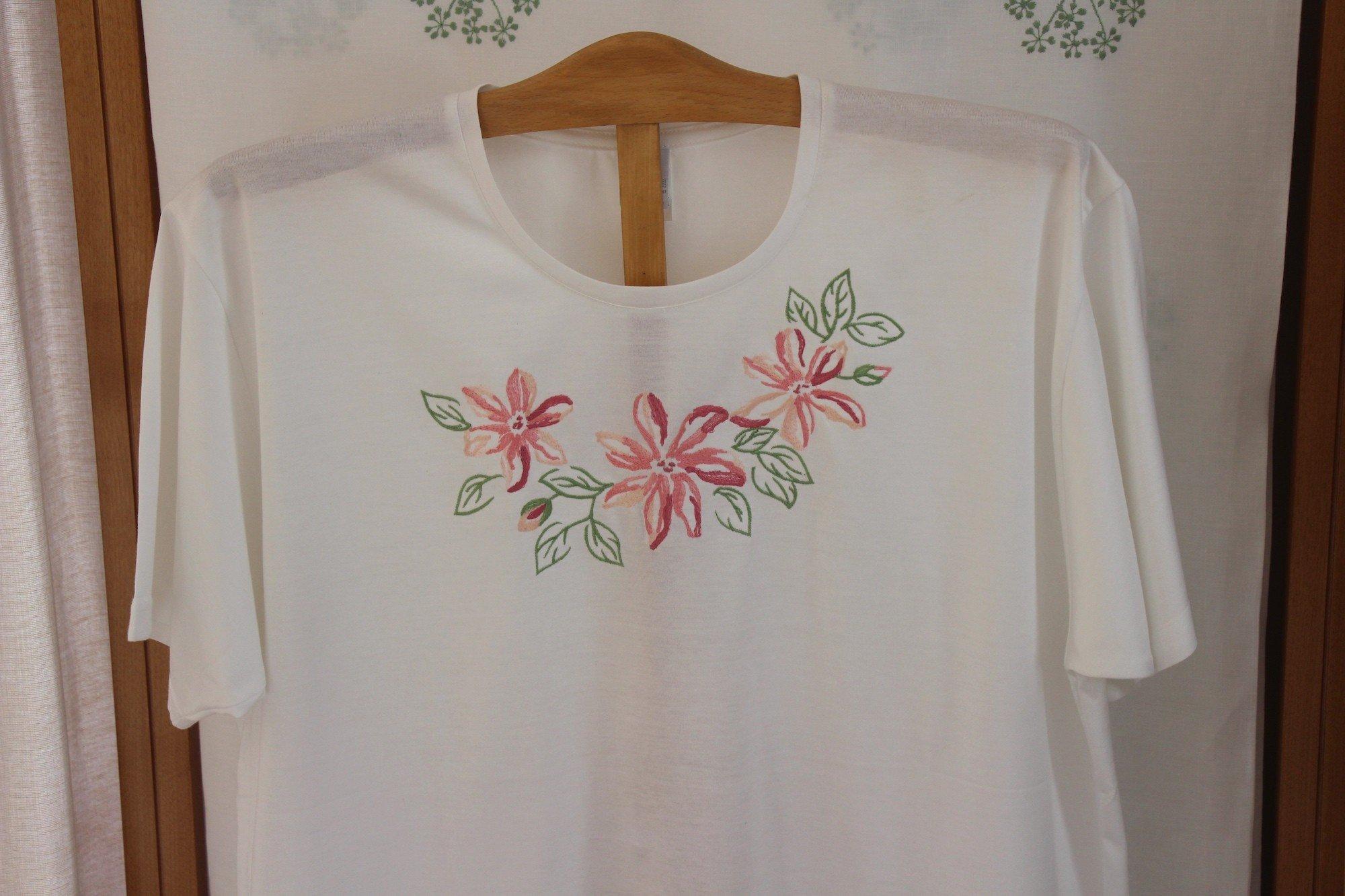 """Clématites"" embroidered night t-shirt"