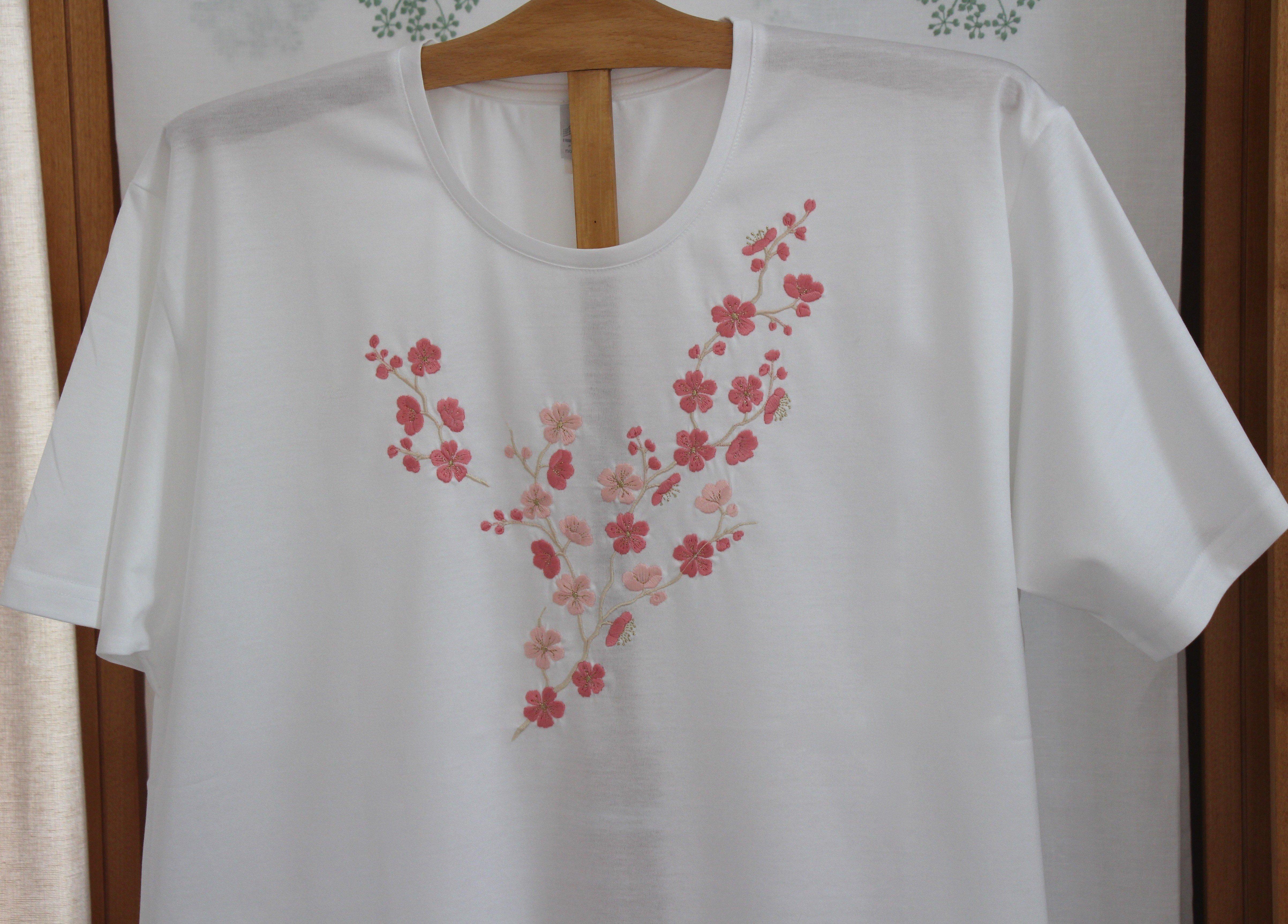 """Fleur de Pommier"" embroidered night t-shirt"