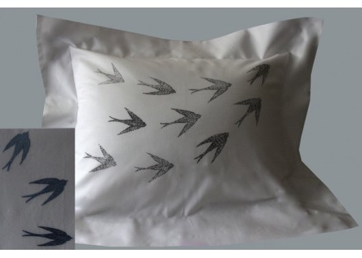 """Hirondelles"" pillow case pattern"